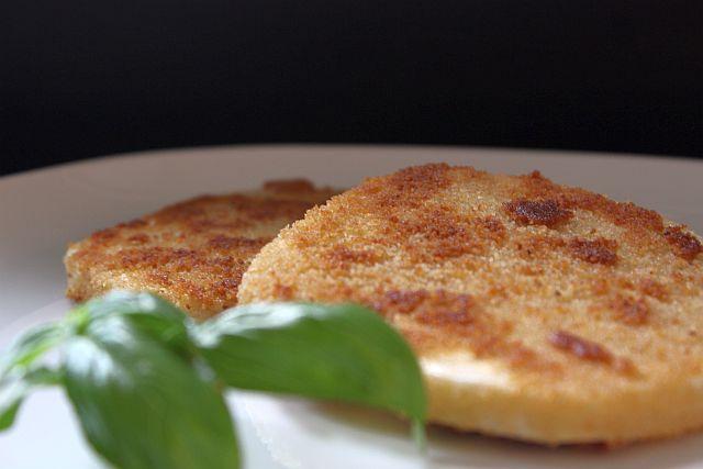 Leckere Sellerie Schnitzel als Alternative zu Fleisch