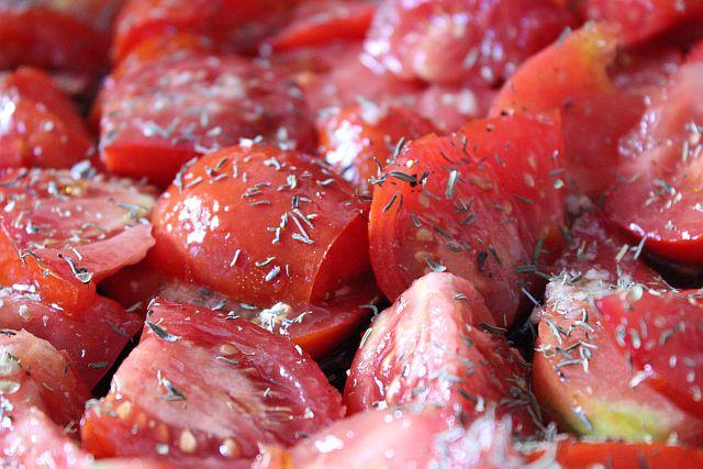 Schmortomaten mit Kräuter und Gewürzen