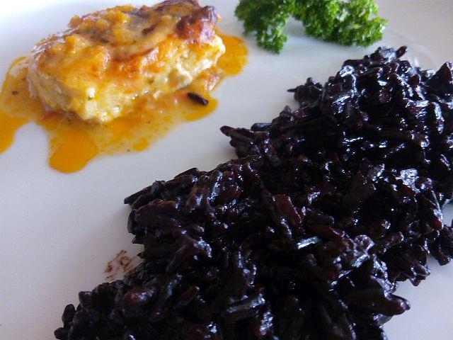 Zu Fisch oder Fleisch passt schwarzer Reis