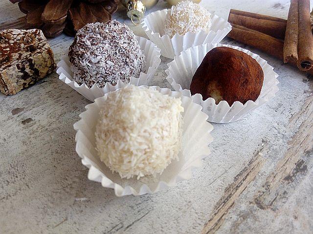Leckere selbstgemachte Mandel-Marzipan-Pralinen