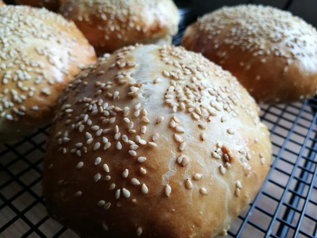 Burger Bund mit Buttermilch - Rezept