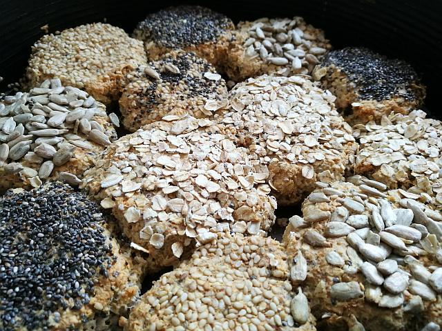 Haferflockenbrötchen aus dem Ofen
